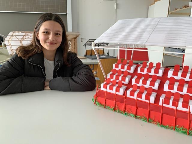 """Den Titel """"Marakana"""" trägt das Stadiondach, das die Gymnasiastin Jovana Mihajlovic mit ihrer Gruppe für den Wettbewerb gebaut hat."""